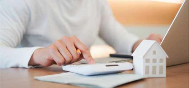 Handling Financial Situations As a Married, Unmarried Or Divorced Woman